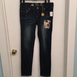 Refuge Glam Ultra Skinny jean. New with tags.